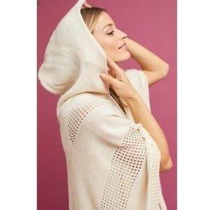 Anthropologie💕Hooded Poncho Shawl Ivory Knit